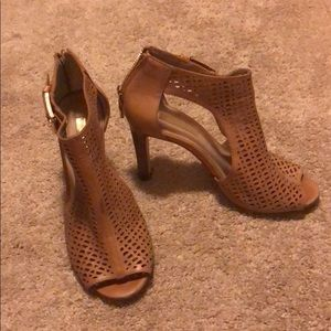 Louise et Cie open toe bootie tan leather size 6